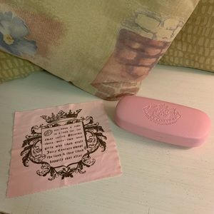 JUICY COUTURE EYEGLASS CASE & CLOTH LENS WIPE